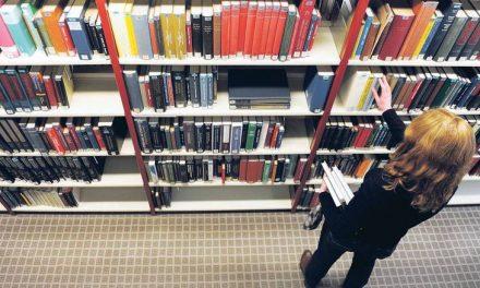 جریمه ۲۲۵۰ یورویی برای استاد دانشگاه  به دلیل تاخیر در تحویل کتاب