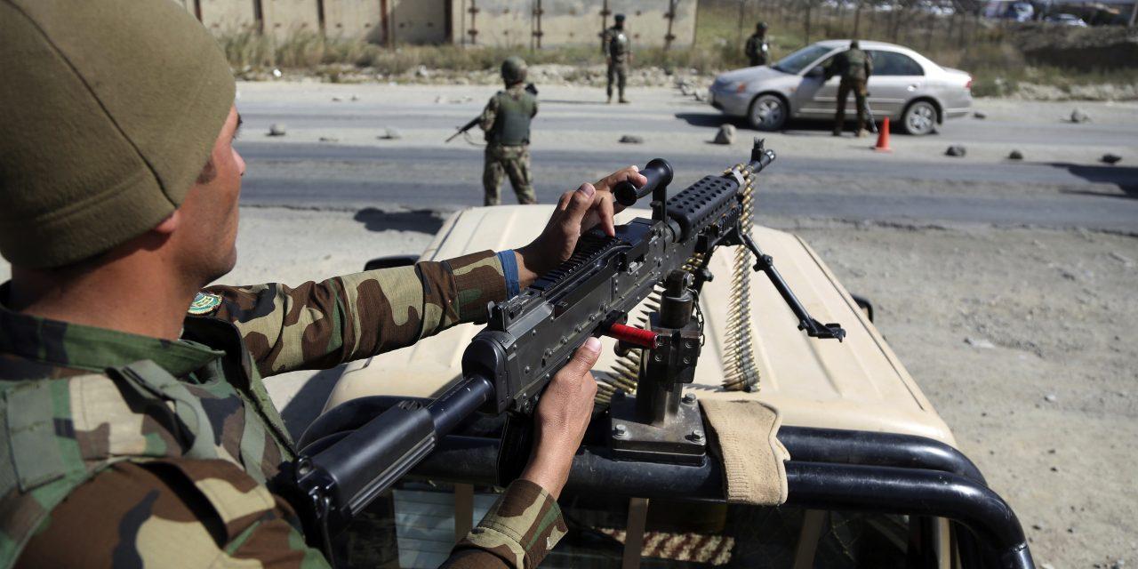 کشته شدن ۲۲ پلیس افغانی در حمله طالبان