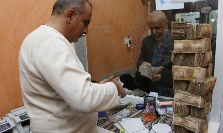 خیس شدن ۱۲ میلیارد دینار در باران در عراق جنجال به پا کرد