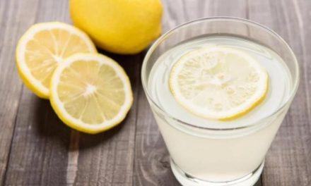 فواید نوشیدن آب و لیمو پیش از صبحانه