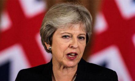ترزا می در گردباد عدم رای اعتماد پارلمان
