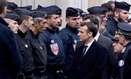 سردرگمی دولت فرانسه در چگونگی برخورد با بحران «جلیقه زردها»