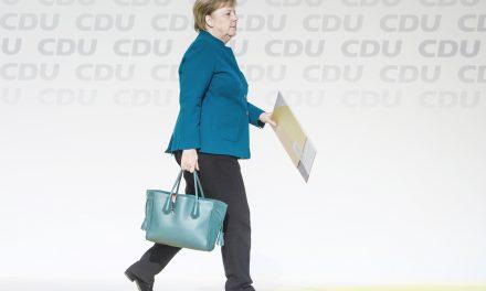 آنه گرت کرامپ کارن باوئر، متحد آنگلا مرکل به رهبری اتحادیه دموکرات مسیحی آلمان انتخاب شد