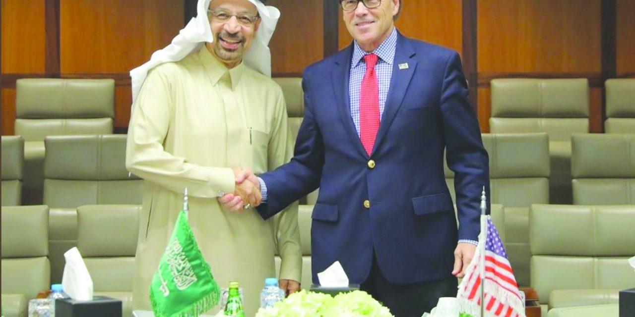 تأکید وزیر انرژی سعودی به همتای آمریکایی اش بر اهمیت ثبات بازارهای نفت
