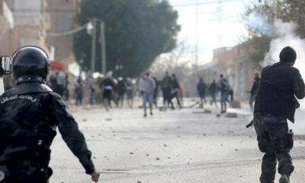 موج اقدام برای خودکشی همزمان با هشتمین سالگرد قیام تونس