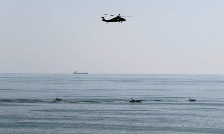 ناو هواپیمابر آمریکایی وارد خلیج شد
