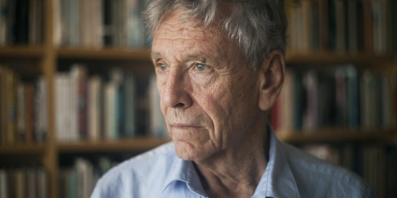 آموس اوز نویسنده و داستانسرای مشهور اسرائیلی درگذشت