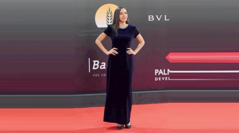 حضور هنرمند زن مصری با لباس دستدوم در جشنواره «سینمایی قاهره»