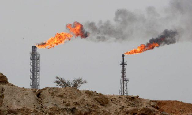 هند برای تمدید معافیت خرید نفت با آمریکا گفتگو می کند