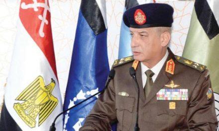 وزیر دفاع مصر بر توسعهٔ سیستم آموزش نظامی تاکید کرد