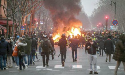 بازگشت دوباره جلیقه زردها به خیابان ها؛ چالش جدید ماکرون