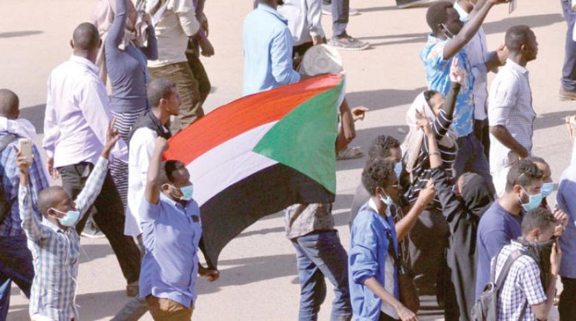 البشیر به رنج ملت اعتراف و معترضان را به دستنشاندگی متهم کرد