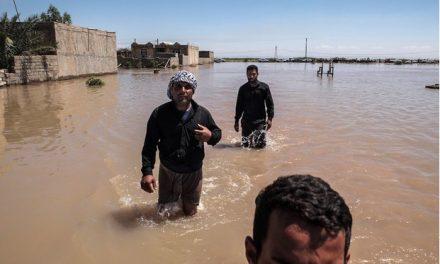 سیل در جنوبغربی ایران؛ دولت نیامد مردم عرب دست به کار شدند